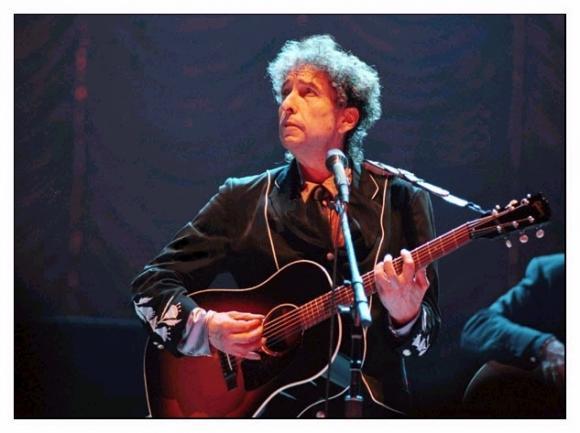 http://dylanesque.cowblog.fr/images/dylan/Dylan2000florence.jpg