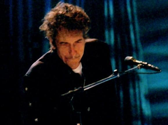 http://dylanesque.cowblog.fr/images/dylan/Dylan2003rome.jpg