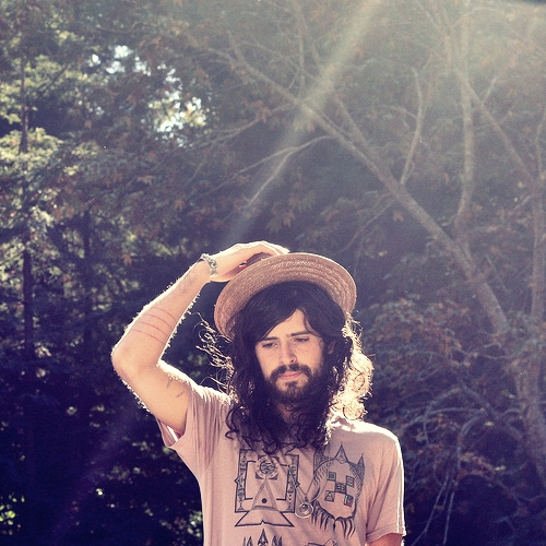 http://dylanesque.cowblog.fr/images/others/DevendraBanhart2903325577c288b6c1cc.jpg